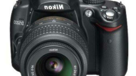 nikon D5000 bo kot nalašč za vrhunske fotografije in filmske posnetke
