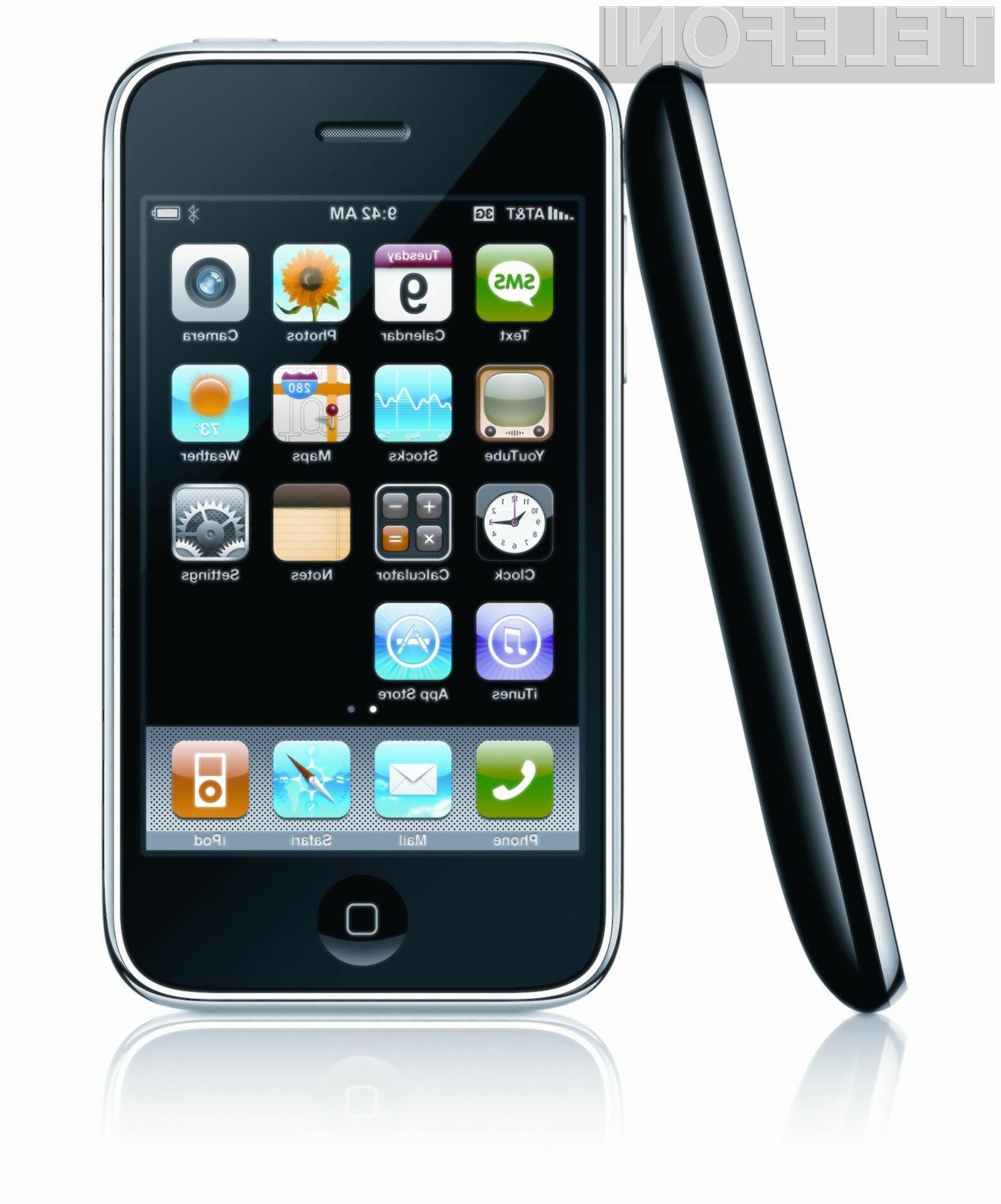 Apple prodal več kot milijardo pametnih telefonov iPhone