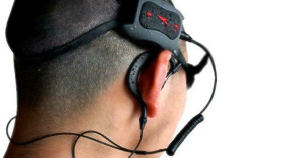 Osnovni komplet bo vseboval vodoodporen mp3 predvajalnik, vodoodporne slušalke ter »nosilec« za pritrditev predvajalnika na glavo.