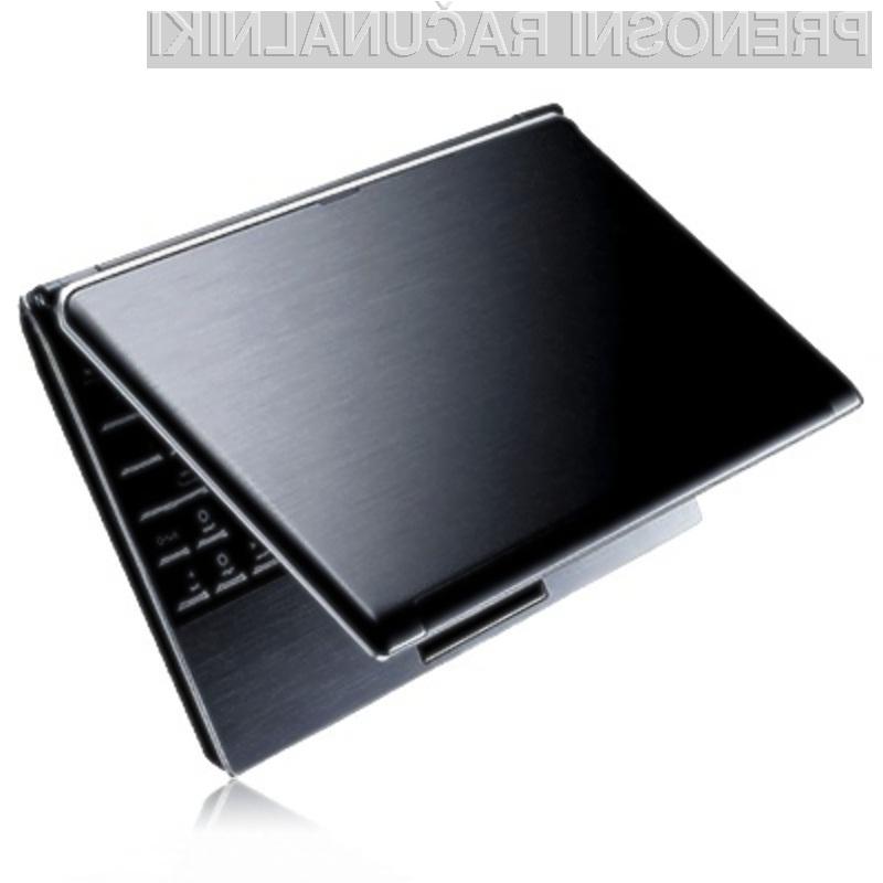 Kompaktni, a zmogljivi žepni računalnik Clamshell PC F88.