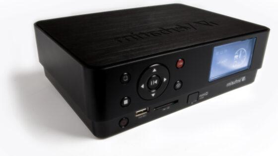 Snemajte neposredno s svojega televizorja, kabelskega ali satelitskega sprejemnika, DVD ali VHS predvajalnika.