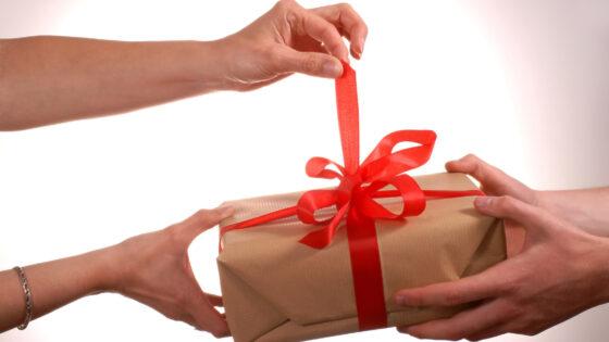 Napotki za varno spletno nakupovanje v času praznikov