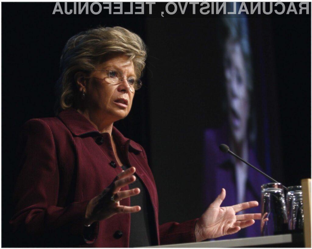 Evropska komisarka Viviane Reding se zavzema za registracijo vrhnjih domen ».eu« z znaki vseh uradnih jezikov članic Evropske unije.