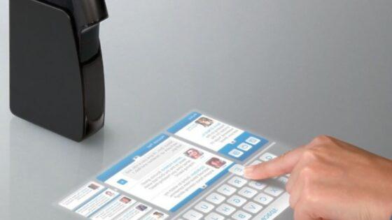 Žepni projektor Light Touch podjetja Light Blue Optics preprosto navdušuje!