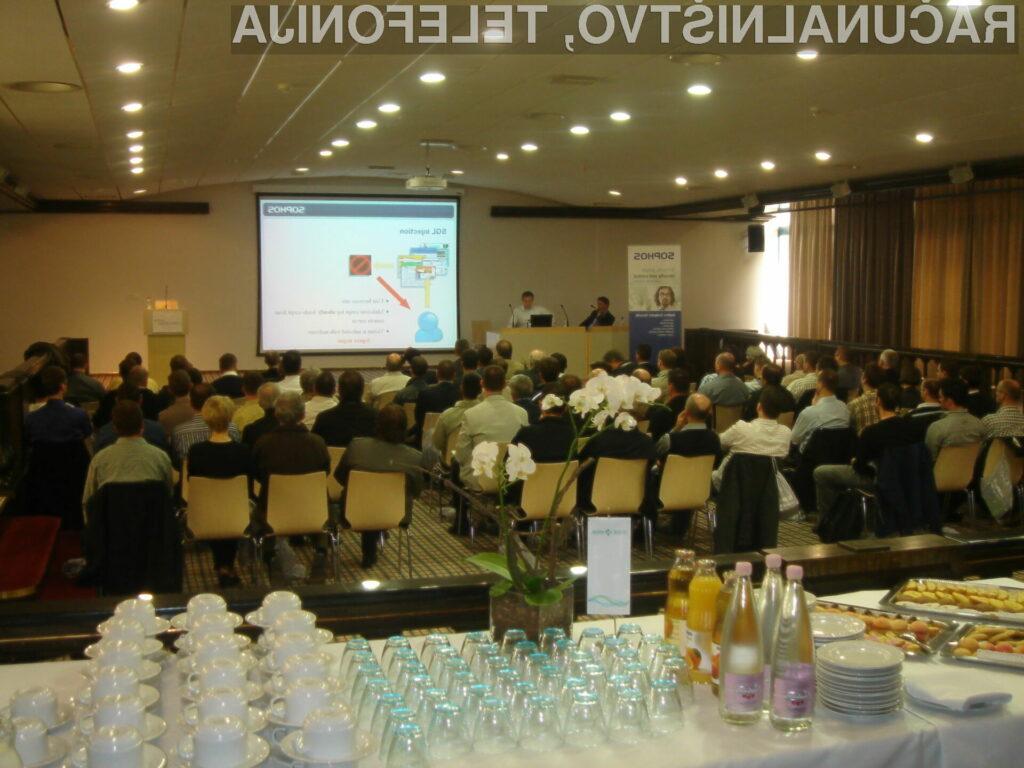 Kraj dogajanja je bil ponovno Otočec, kjer se je zbralo okrog 100 udeležencev, večinoma iz večjih slovenskih organizacij, državne uprave in bank.