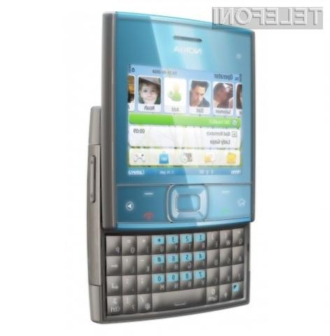 Kvadratni mobilnik Nokia X5 je pisan na kožo socialnim omrežjem.