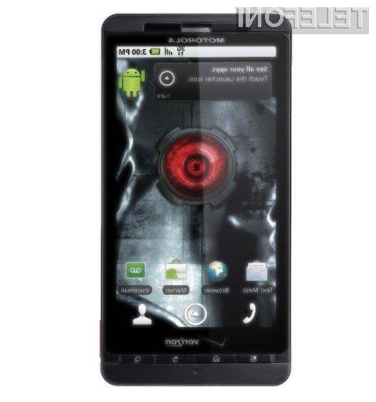 Pametni mobilni telefon Motorola Droid X navdušuje!