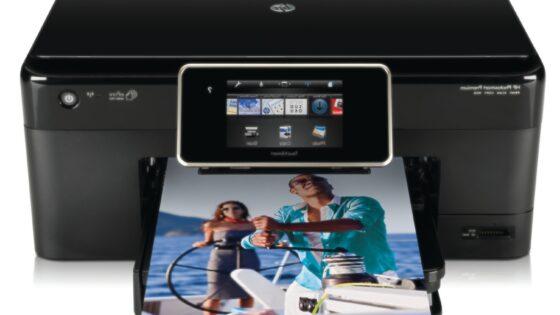 Nova linija s spletom povezanih tiskalnikov HP Photosmart omogoča uporabnikom prost dostop do vsebin in tiskanje od kjerkoli brez uporabe računalnika.