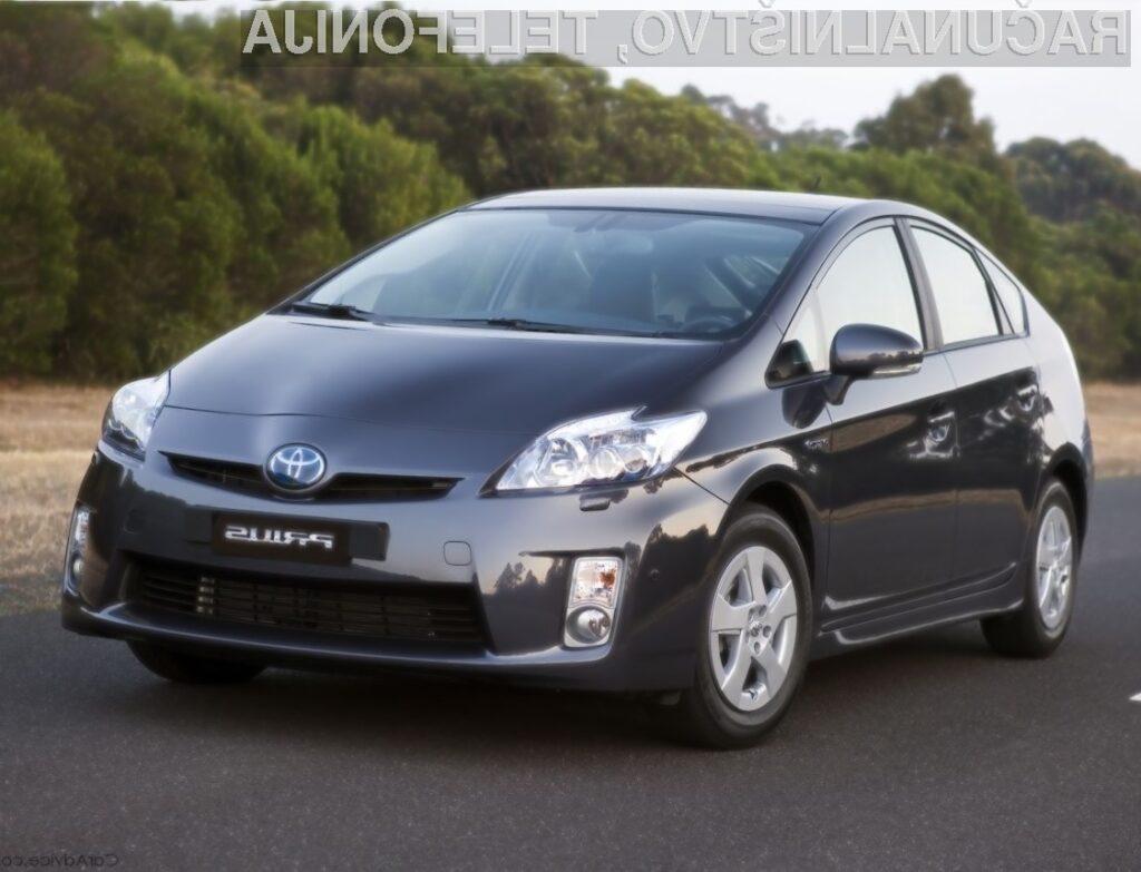 Hibridni avtomobil Toyota Prius je bogatejši za zunanji zvočniški sistem.