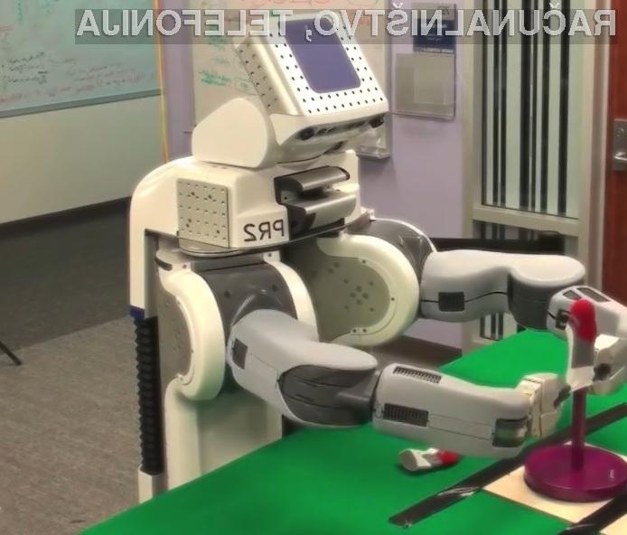 Visokotehnološkemu robotu »PR2« gre zlaganje nogavic dobro od rok.