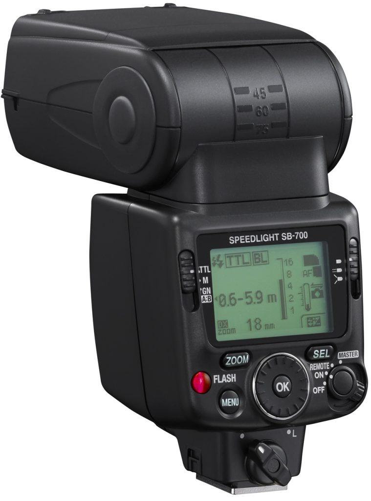 Nikon predstavil novo bliskavico – SB-700