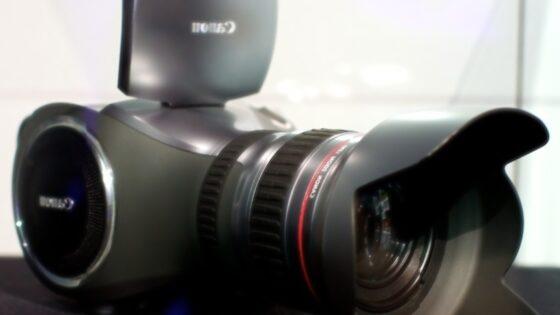 Kaj menite o Canonovemu konceptu digitalnega kamkorderja prihodnosti?