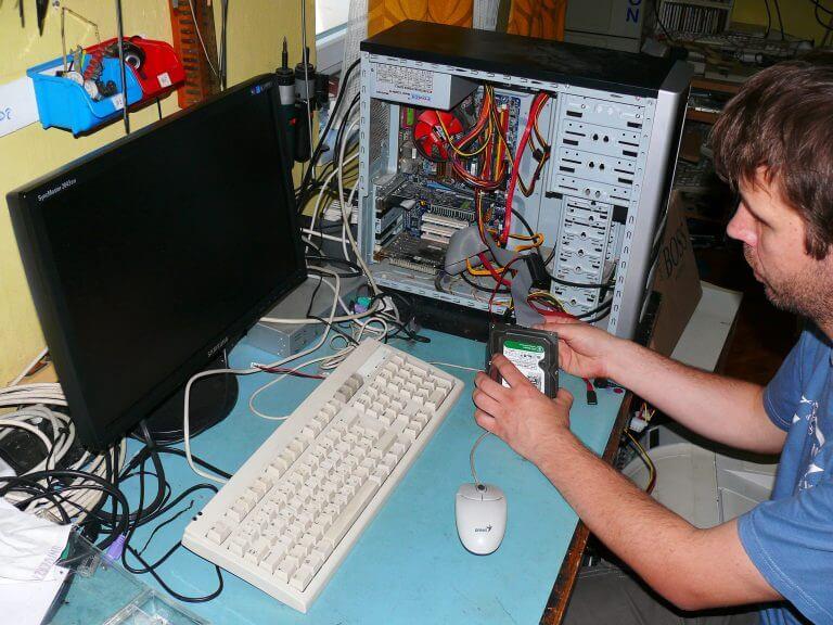 3bm-popravilo-računalnikov-prodaja-opreme1