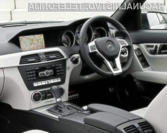 V novi Mercedesovi seriji C, je v sklopu platforme Command Online , predvidena tudi stalna povezava do interneta, katero nameravajo kasneje razširiti na celotno ponudbo vozil.