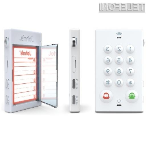 Mobilni telefon John's Phone je kot nalašč za starejše uporabnike storitev mobilne telefonje.