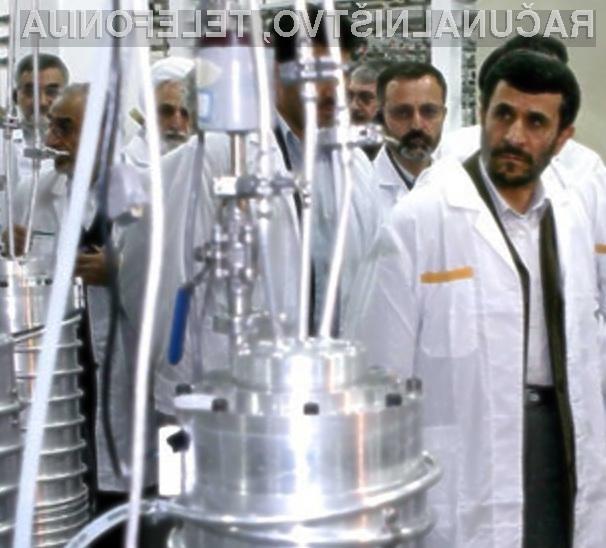 Iranski predsednik je še vedno trdno prepričan, da je črv Stuxnet maslo ameriško-izraelske naveze.