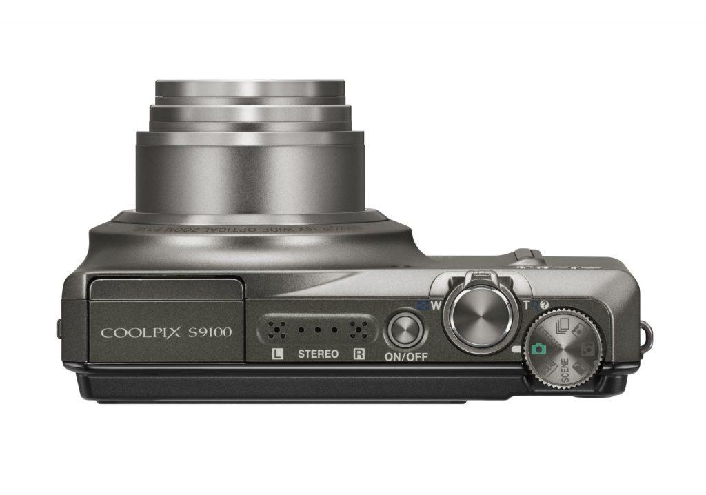 Nikon z novim kompaktnim fotoaparatom z 18-kratnim super-zoomom