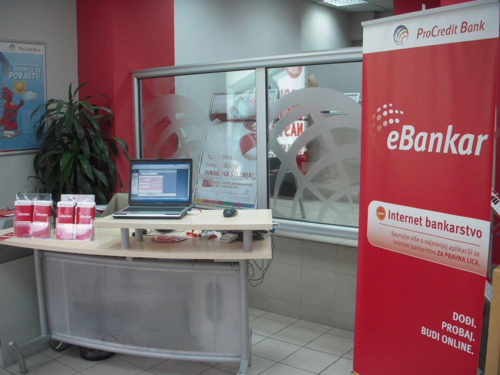 ProCredit banka s Halcomovo rešitvijo Hal E-Bank/WEB SME