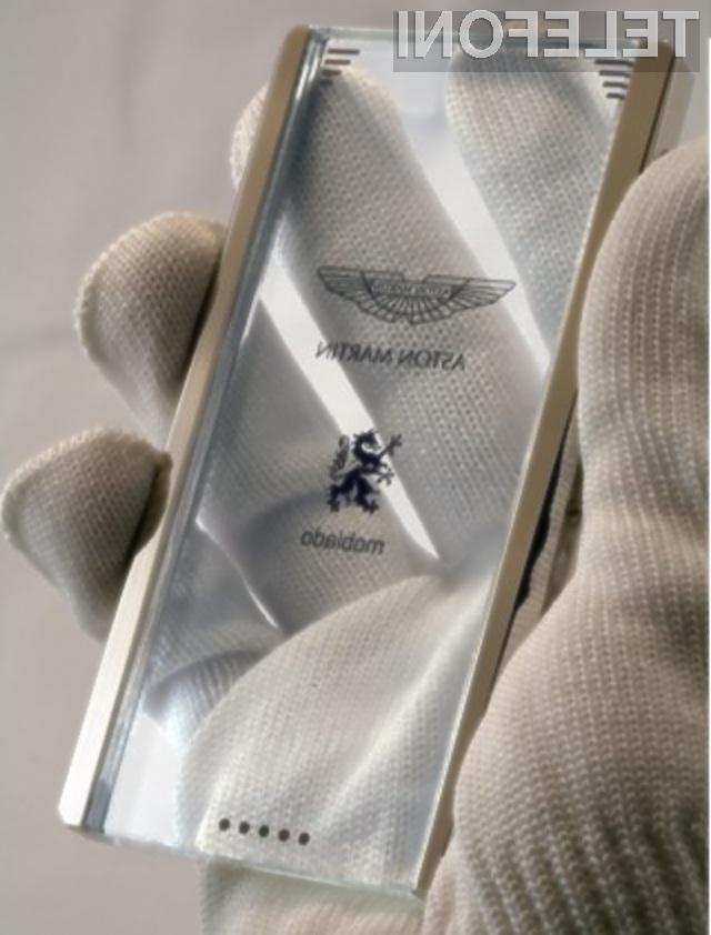 Mobilni telefon Aston Martin CPT002 bo cenovno dosegljiv le bogatašem.
