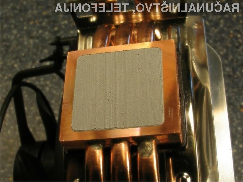 Toplotna paste ali lepila so potrebni za dobro prenašanje toplote iz procesorja na hladilnik.