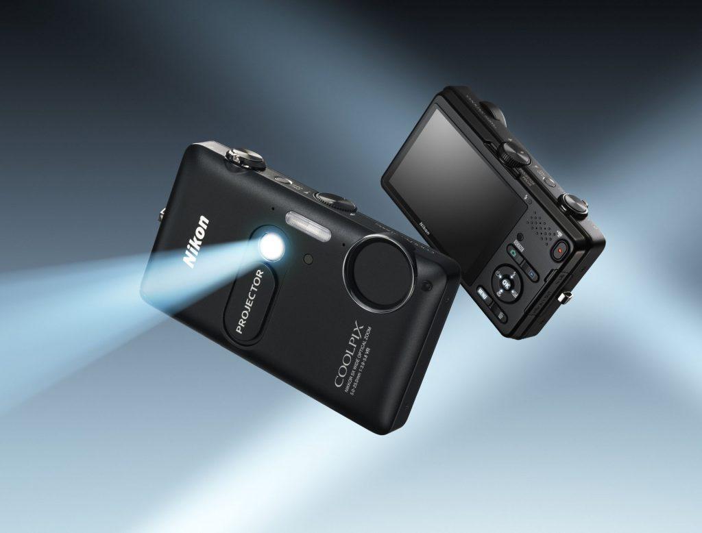 Fotografiraj in projiciraj s COOLPIXOM 1200pj