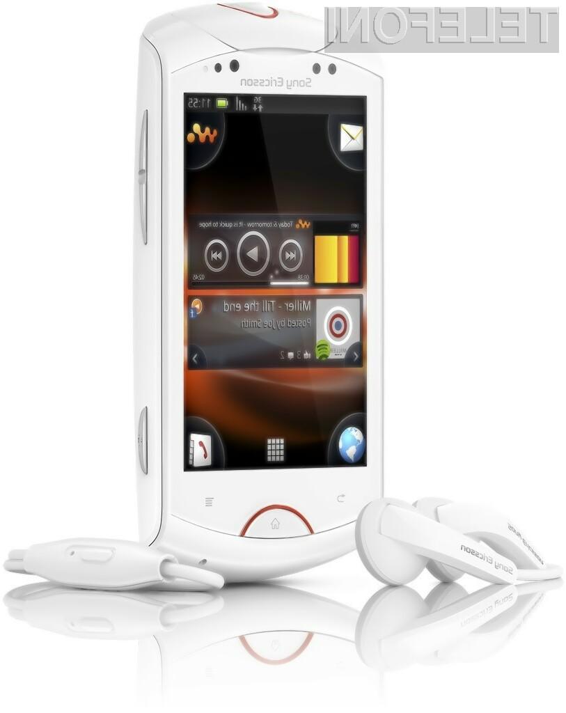 Live with Walkman je pametni telefon, ki temelji na operacijskem sistemu Android in omogoča integracijo s Sony-jevim glasbenim servisom Qriocity.
