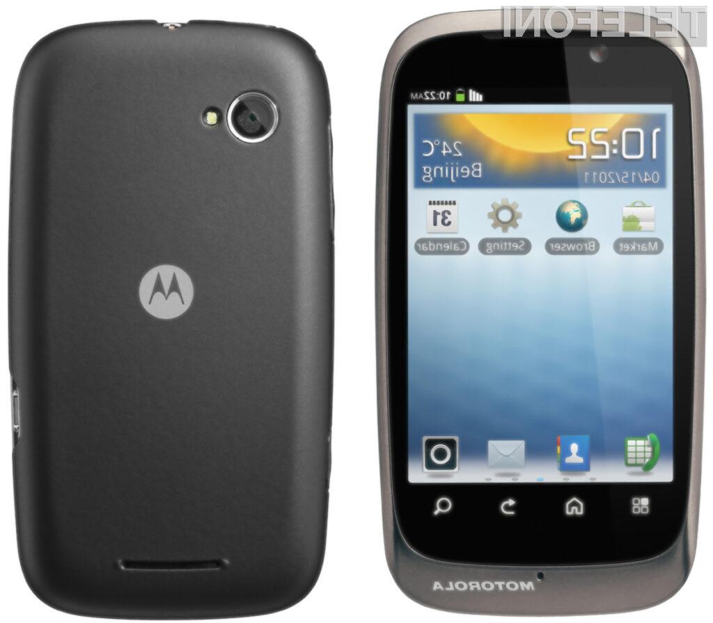 Motorola ponuja telefone za bolj ter manj zahtevne potrošnike.