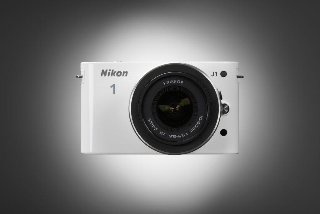 Nikon 1 - fotoaparati, ki manipulirajo svetlobo in čas