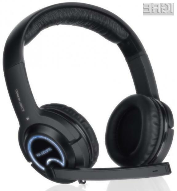Slušalke so eden pomembnejših kosov računalniške opreme pri igričarjih.
