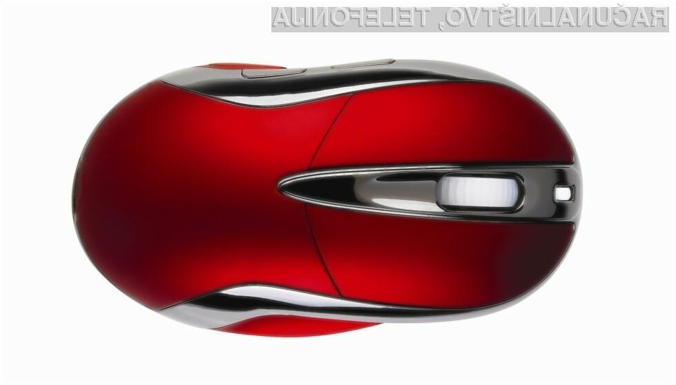 Chameleon X-1 je izjemno posebna periferija, saj združuje tri funkcije – igričarsko brezžično miško, igralni plošček in daljinski upravljalnik.