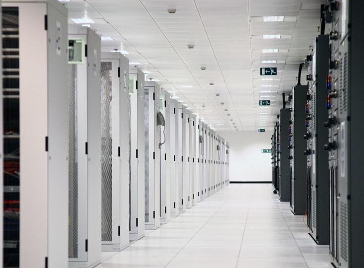 Brez Googla in električne energije bi bilo naše življenje precej težje in zapleteno.