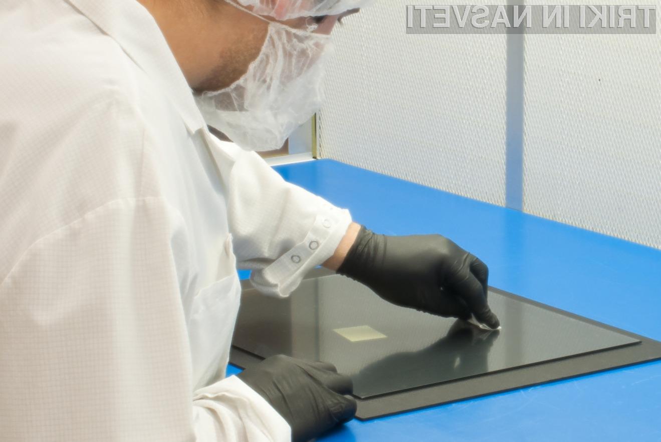Čiščenje LCD zaslona z različnimi čistilnimi sredstvi je lahko pogubno.