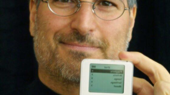 Vsega skupaj je Apple do sedaj prodal že 320 milijonov kosov naprave iPod.
