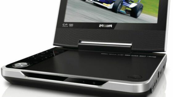 PB9001 je prenosni Blu-ray predvajalnik z 9-palčnim zaslonom in ločljivostjo 800 x 480 slikovnih točk.