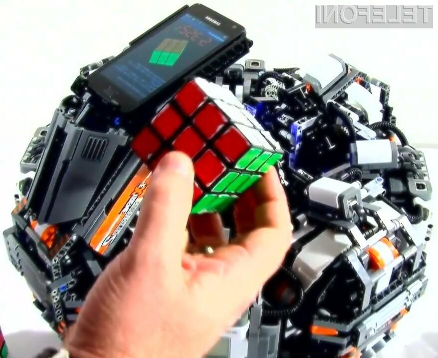 Naprava CubeStormer II je z Rubikovo kocko opravila v pičlih 5,35 sekundah!