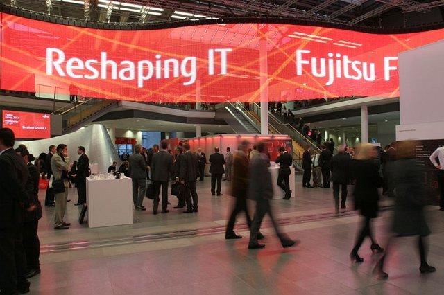 Fujitsu je na Fujitsu Forumu, med drugim,  predstavil Fujitsu Business Solutions Store, FlexFrame Compact, DI bloke in tablični računalnik Android Slate PC