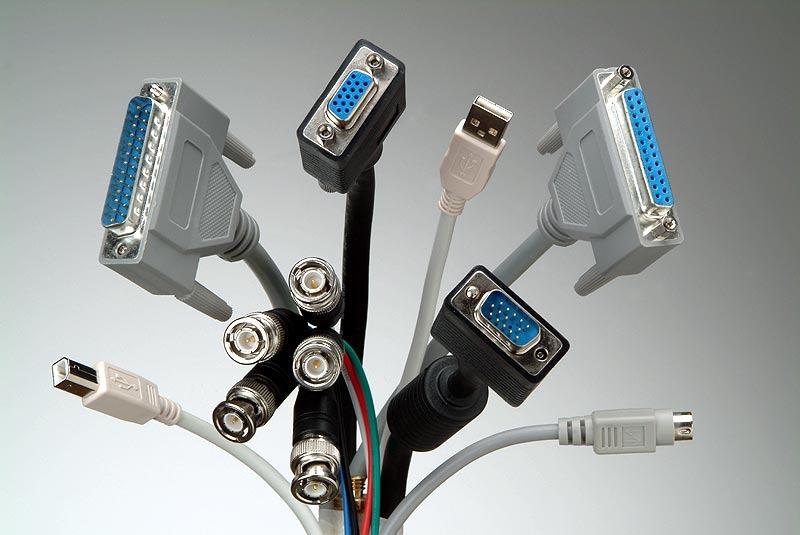 Fujitsu je na CeBIT-u 2011 že predstavil popolnoma brezžični zaslon, ki se napaja z indukcijskim polnilcem