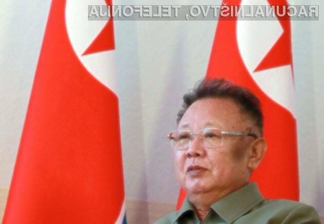 Svet zaskrbljeno spremlja razmere v Severni Koreji.