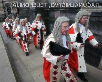 Pravosodno ministrstvo Velike Britanije prisega na sodobno tehnologijo in tablice!