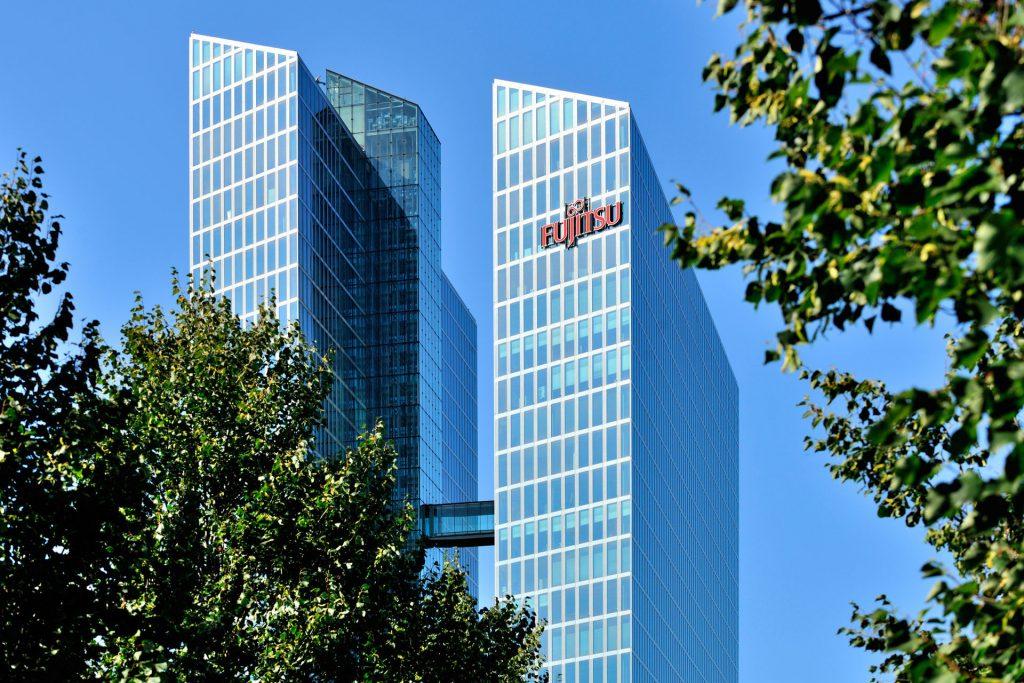Fujitsu je predstavil novo platformo za spletne gostitelje in telekomunikacijska podjetja, ki podpira 1,5 milijonov naprednejših uporabnikov