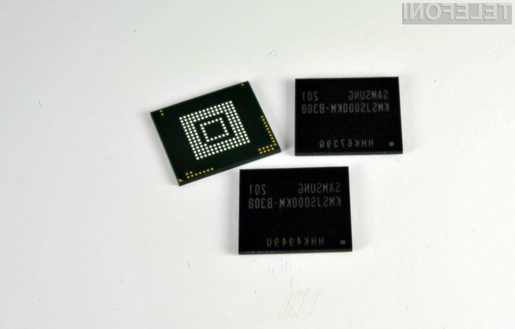 Samsung je v embedded multi-chip (eMCP) paketu integriral LPDDR2 (DRAM) in NAND (flash) pomnilnik za shranjevanje podatkov.