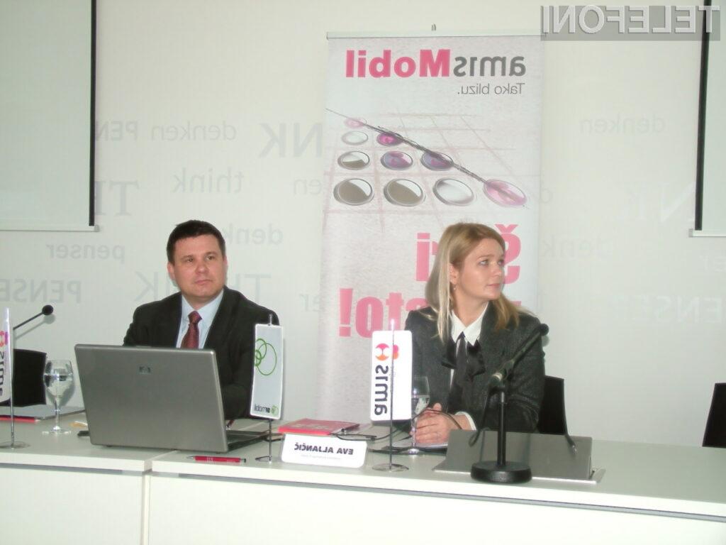 Eva Aljančič, direktorica marketinga Si.mobil, in Boštjan Košak, direktor podjetja Amis