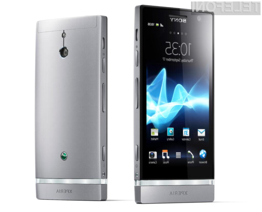 Xperia P je opremljena z Sonyevo tehnologijo MagicWhite, ki povečuje vidnost pri sončni svetlobi.