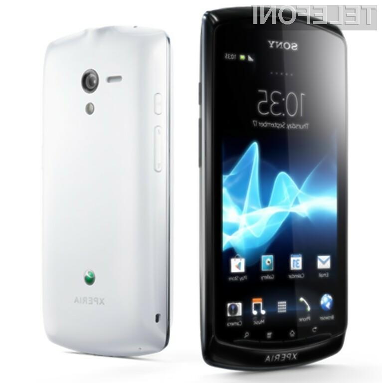 Sony je predstavil svoj prvi pametni telefon z najnovejšo različico operacijskega sistema Android.