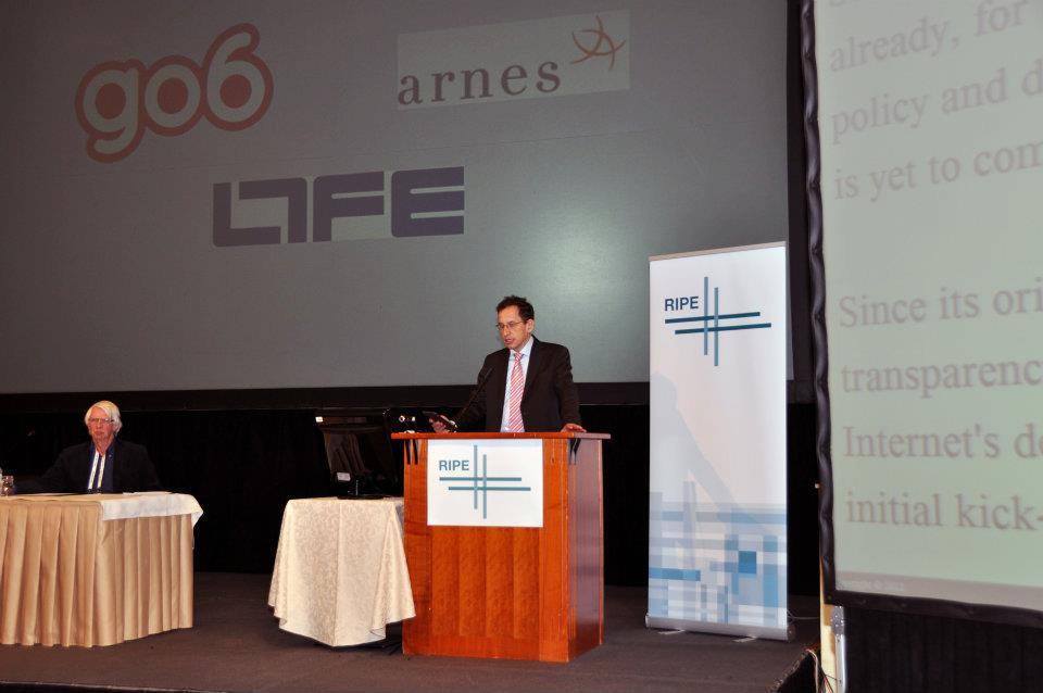 Dr. Žiga Turk odpira srečanje RIPE 64