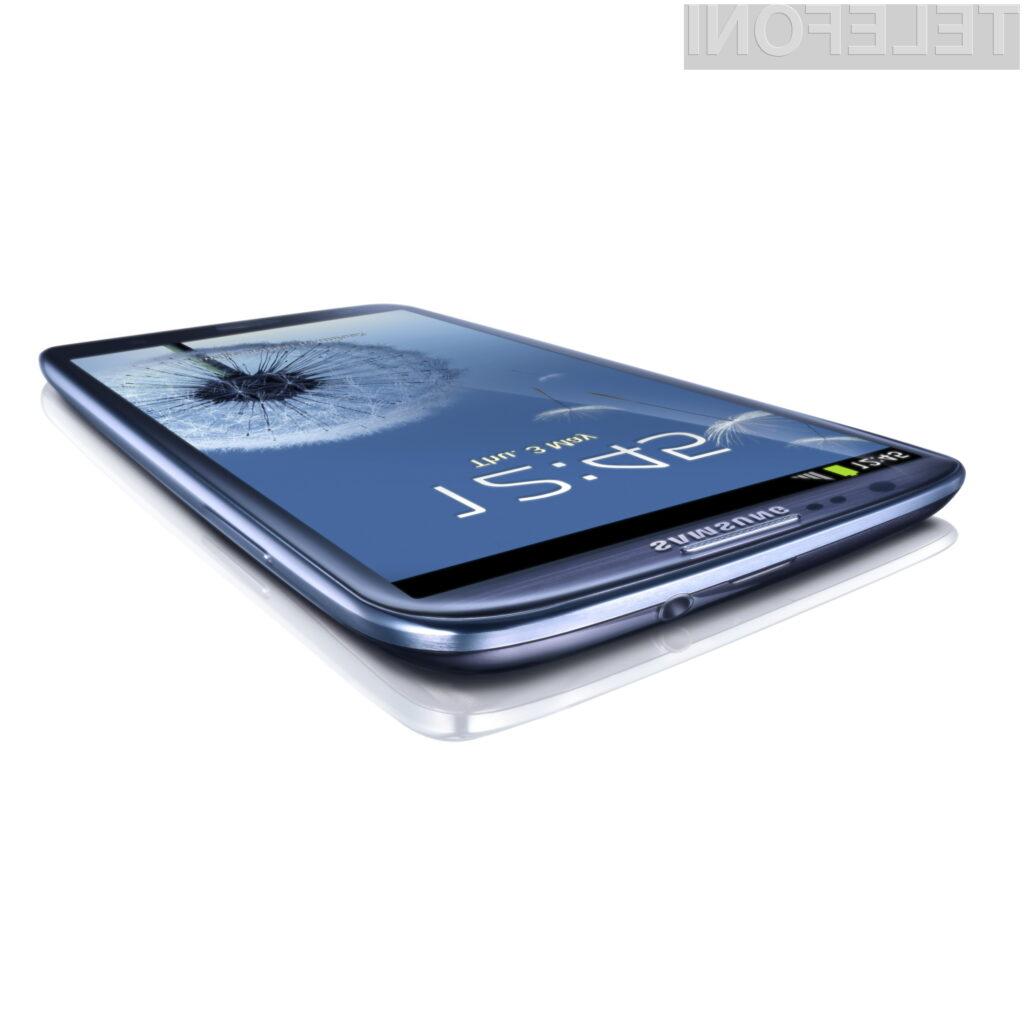 Ena slabših lastnosti Galaxyja S III je njegovo ohišje, ki ne dosega kakovosti izgradnje, kot jo lahko vidimo pri HTC-jevi liniji One.