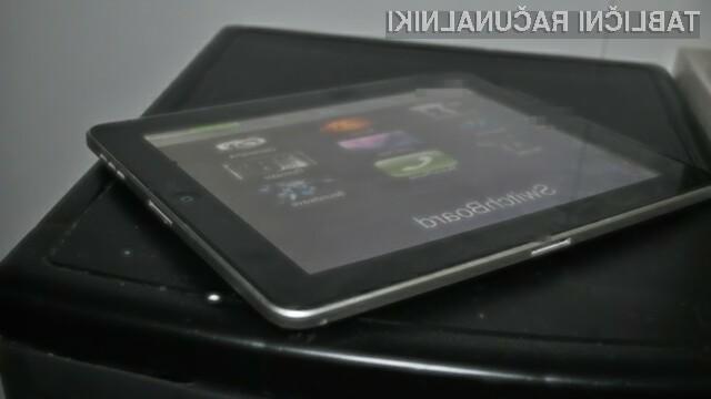 Takšen bi bil videti tablični računalnik iPad, opremljen z dvema priključkoma za polnjenje in prenos podatkov.