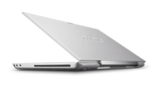 Poleg novih procesorjev, bodo novi Sonyjevi prenosniki iz serije S deležni tudi manjših kozmetičnih popravkov.