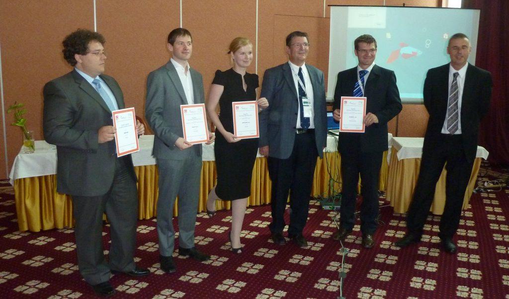 Zmagovalna podjetja in njihovi predstavniki s priznanji EuroCloud z leve proti desni: Abelium, XLAB, Optilab in Si.mobil.