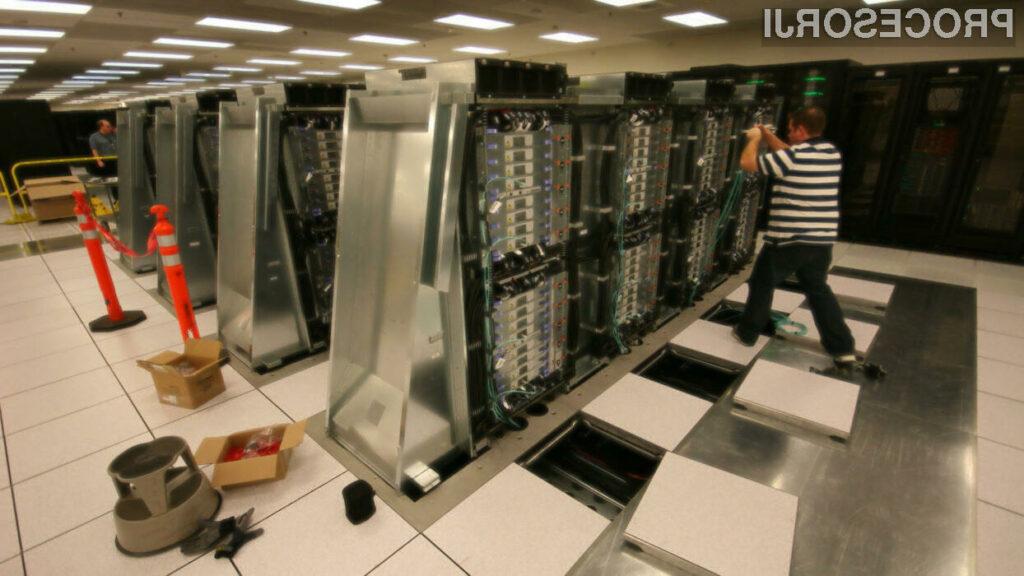 IBM-ov sistem Sequoia je z 16,32 petaflopov trenutno najhitrejši računalnik na svetu.